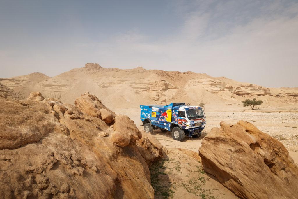 Dakar   Tappa 5 SSV, Quad e Camion: Chaleco Lopez sempre più leader, Cavigliasso bissa con un'altra vittoria. Karginov beffato da una penalità