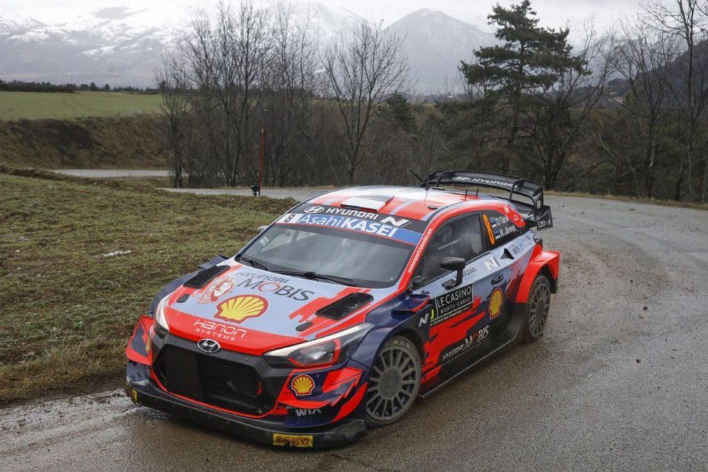 WRC | Parte il Rallye Monte Carlo 2021: in testa Tanak, incidente per Suninen [VIDEO]