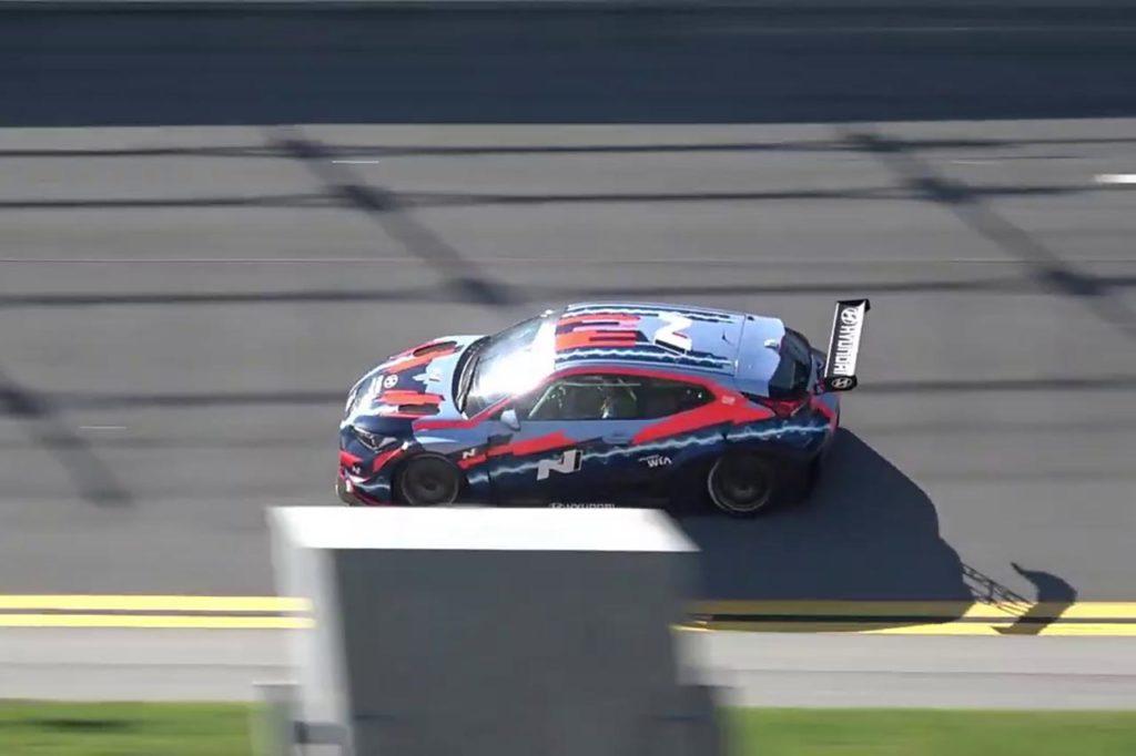 ETCR | Primi giri di pista ufficiali per la Hyundai Veloster N ETCR a Daytona [VIDEO]