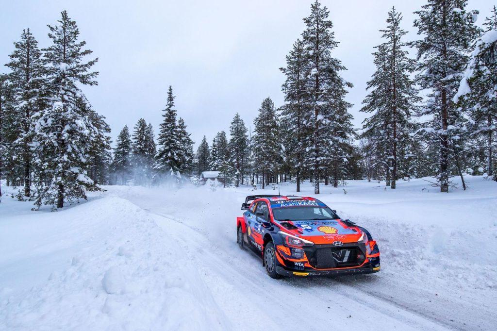 WRC   Arctic Rally Finland 2021, PS1: Tanak in testa, Rovanpera migliore tra i Toyota