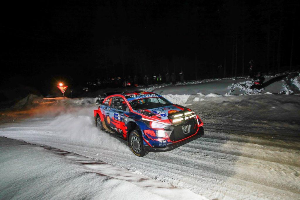 WRC   Arctic Rally Finland 2021, Tanak mattatore della prima giornata