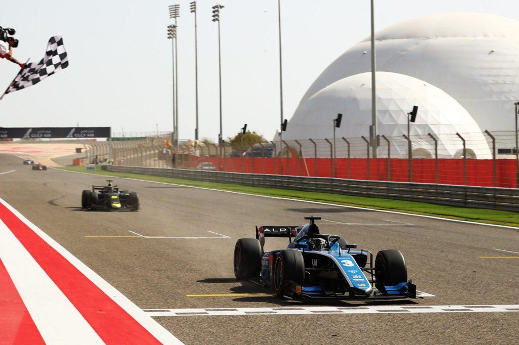 Formula 2   Sakhir, Gara 3: Zhou centra la vittoria e sale in testa alla classifica