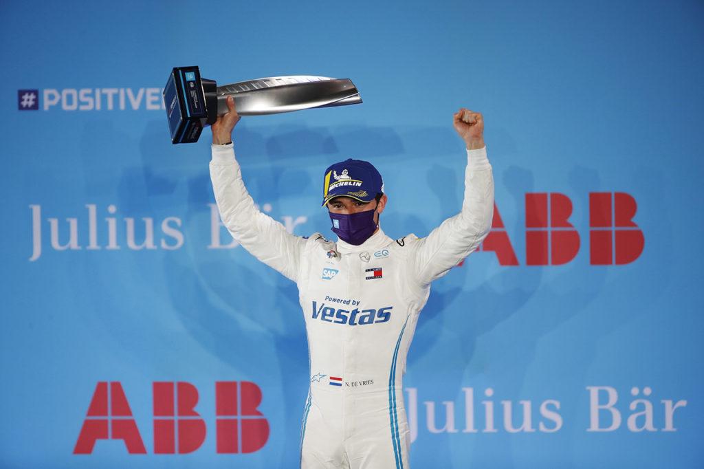 Formula E   Alti e bassi per Mercedes a Diriyah: vittoria al venerdì, difficoltà al sabato
