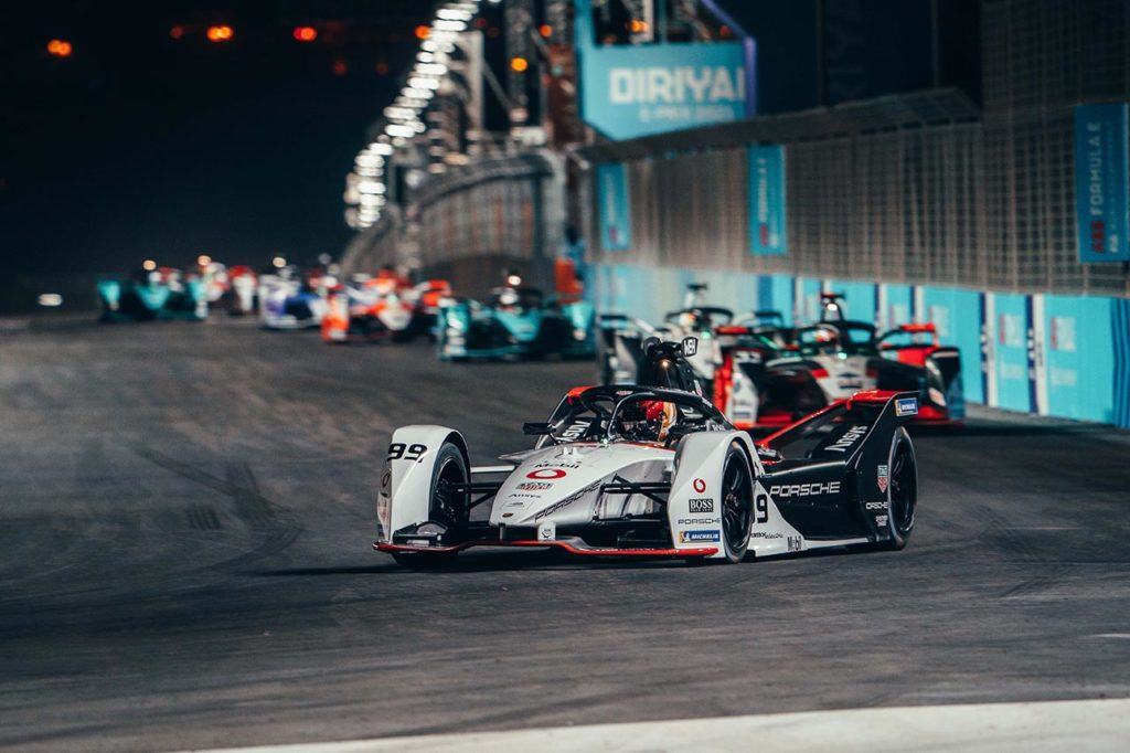 Formula E | Wehrlein centra i primi punti con Porsche a Diriyah