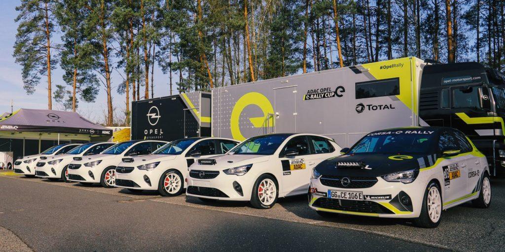 Opel Corsa e-Rally, in vista della partenza del monomarca consegnati i primi esemplari