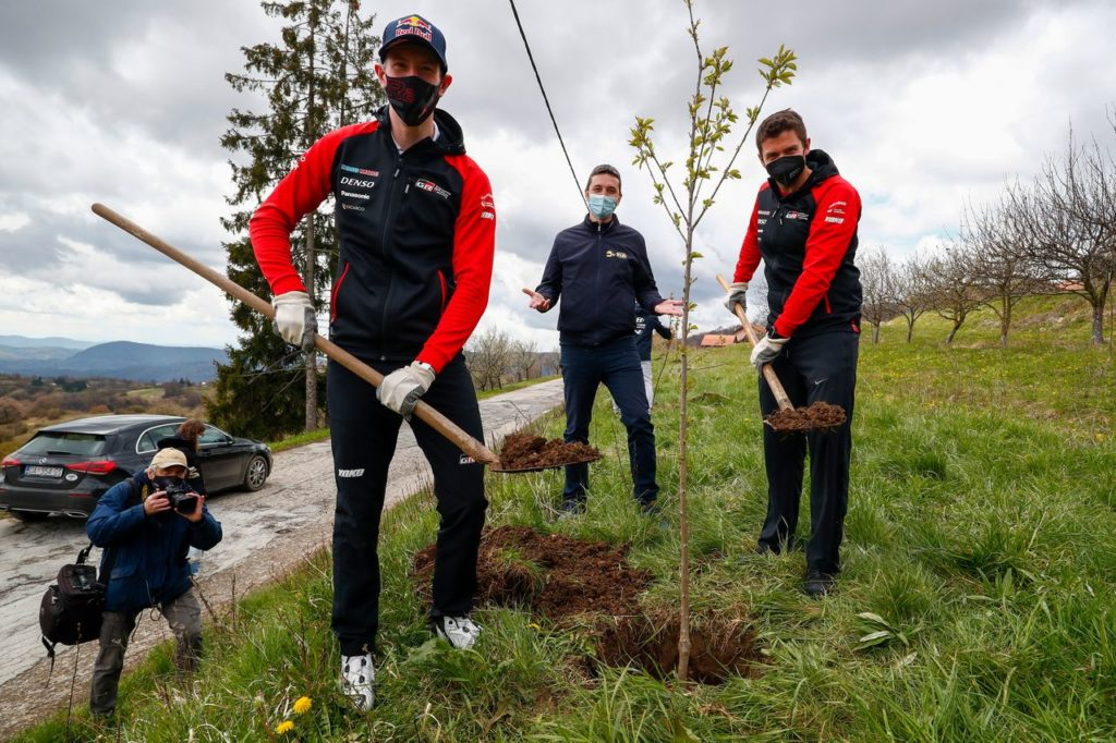 WRC | Rally Croazia, gli equipaggi mandati a zappare (ma per una buona causa)