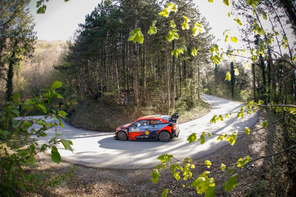WRC | Rally Croazia 2021: Neuville leader della prima giornata, ma Ogier incalza