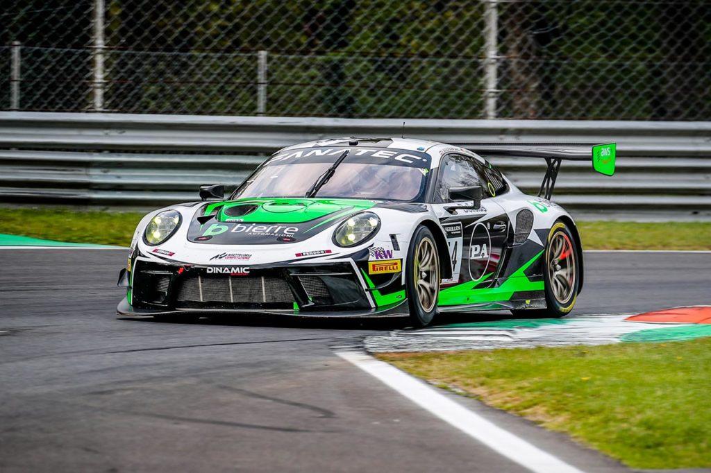 GTWC Europe | 3 Ore di Monza, Gara: la spunta Dinamic con Porsche, tra le bandiere gialle e la pioggia