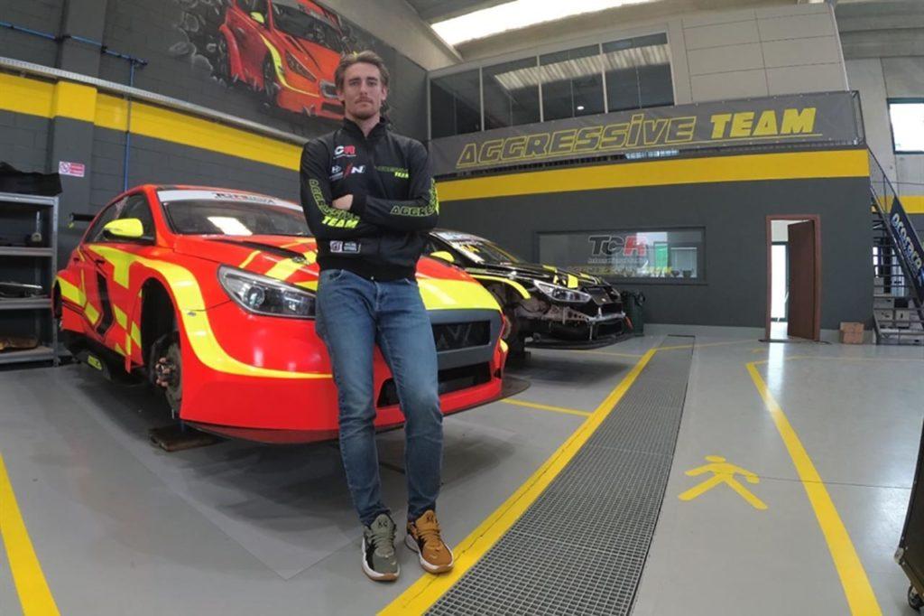 TCR Italy   Ceccon con una Hyundai dell'Aggressive Team Italia nella stagione 2021