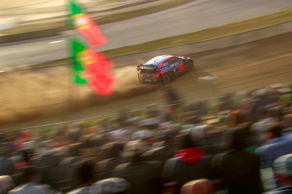 WRC | Rally Portogallo 2021, Tanak leader della prima giornata. Ritiro per Neuville