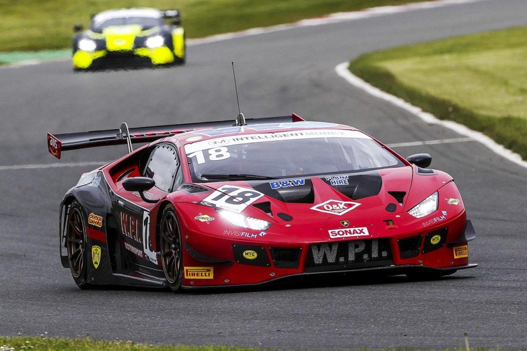 British GT   Lamborghini vince il primo round a Brands Hatch con Igoe-Keen