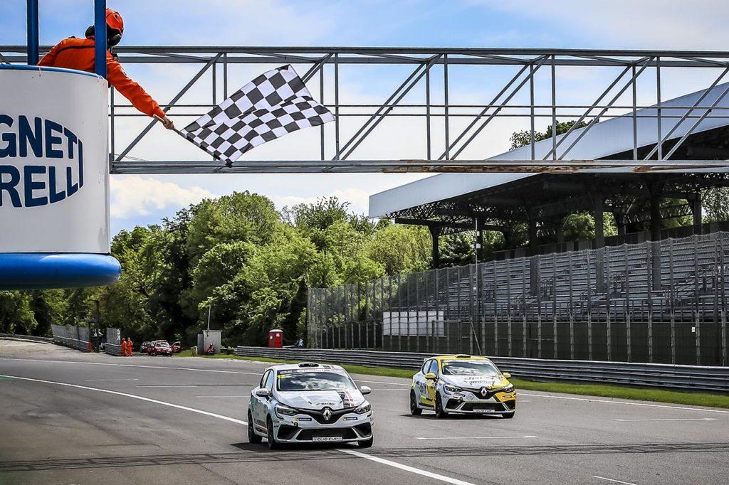 Clio Cup Europe | Pouget vince sotto la pioggia di Gara 1, Torelli la spunta in Gara 2