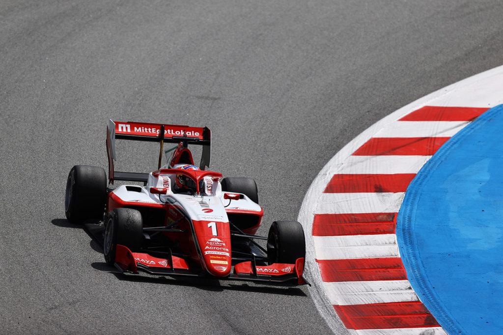 F3 | Hauger vince Gara 3 a Barcellona e vola in vetta, insegue Caldwell