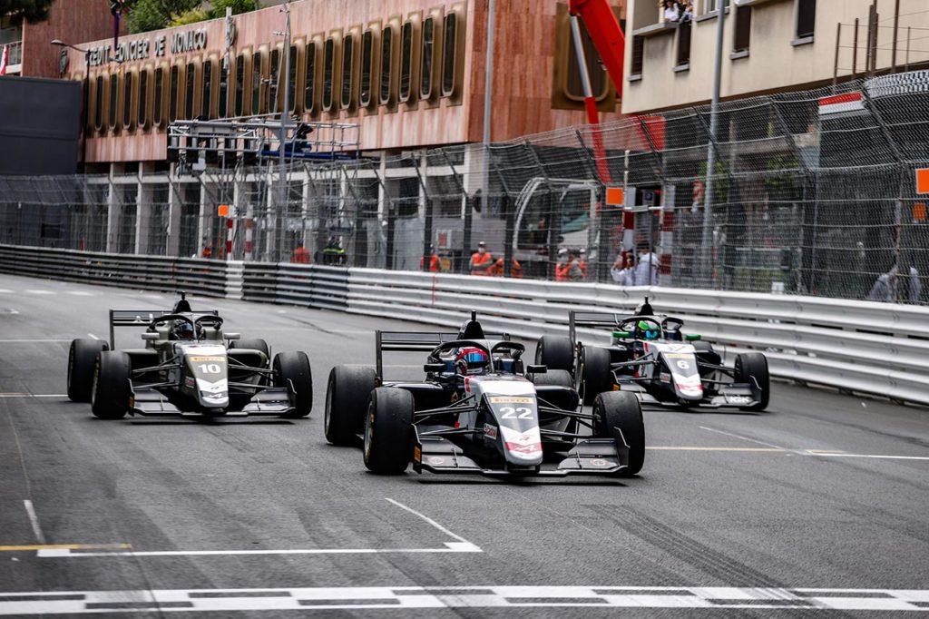 Formula Regional by Alpine | Hadjar e Maloney regalano le vittorie a R-ace GP
