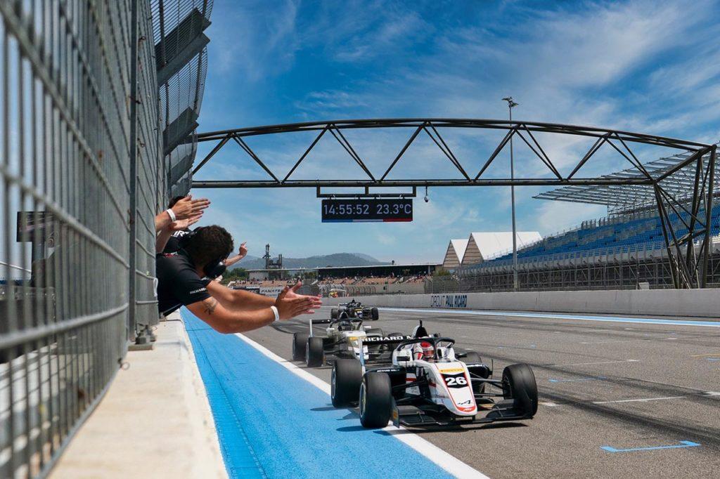 Formula Regional by Alpine   Saucy vince Gara 1 a Le Castellet ma è squalificato, David 1°