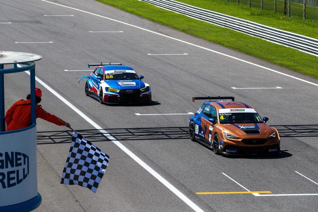 TCR Italy | Monza, Gara 2: seconda vittoria consecutiva per Tavano e Cupra