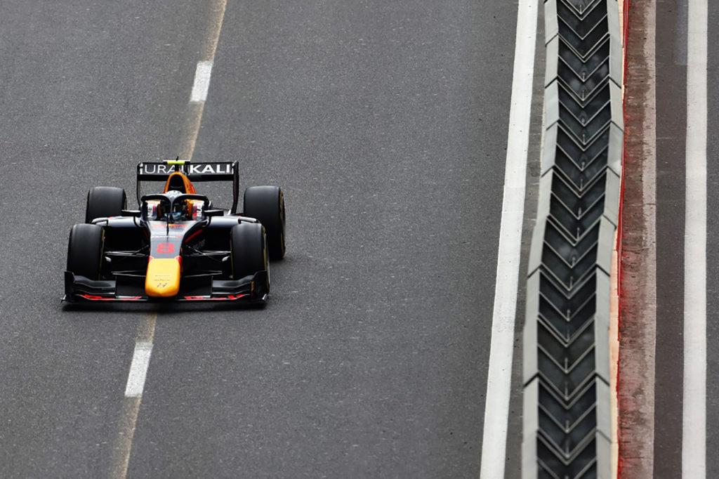 F2   Vips mette il secondo sigillo a Baku in Gara 3, Prema a podio con Piastri e Shwartzman