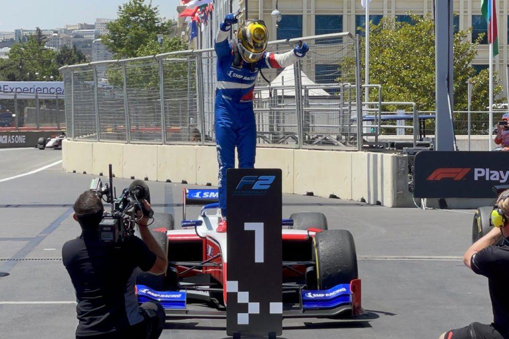 F2   Shwartzman domina e gestisce Gara 1 a Baku, Zhou ancora a podio