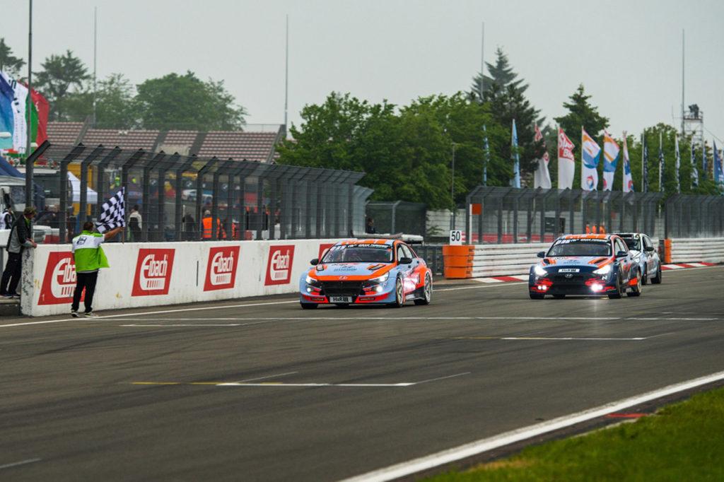 NLS | Hyundai domina la 24 Ore del Nurburgring: doppietta nella classe TCR