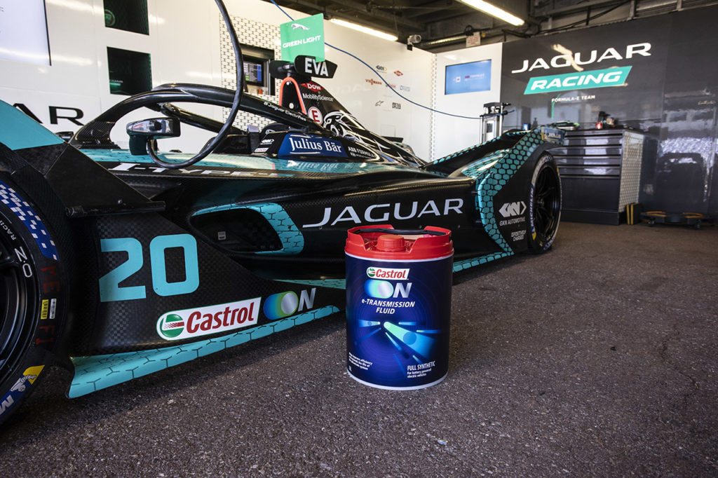 Formula E   Jaguar intensifica la collaborazione con Castrol: nuovi fluidi per l'elettrico