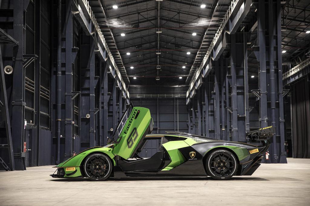 Lamborghini Essenza SCV12: prima vettura con roll cage in carbonio omologata con gli standard di sicurezza FIA Hypercar