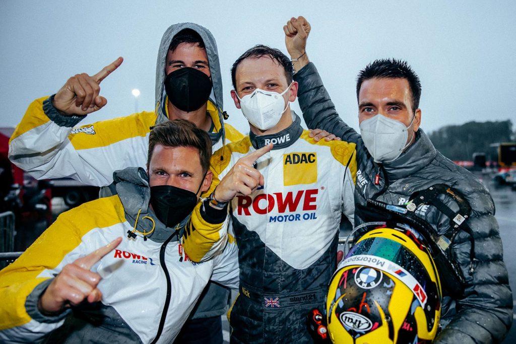 NLS   ROWE Racing e BMW dominano la pioggia nelle qualifiche della 24 Ore del Nurburgring