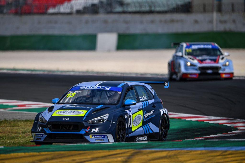 TCR Italy | Target Competition centra la doppietta in Gara 2 a Misano con Buri e Baldan