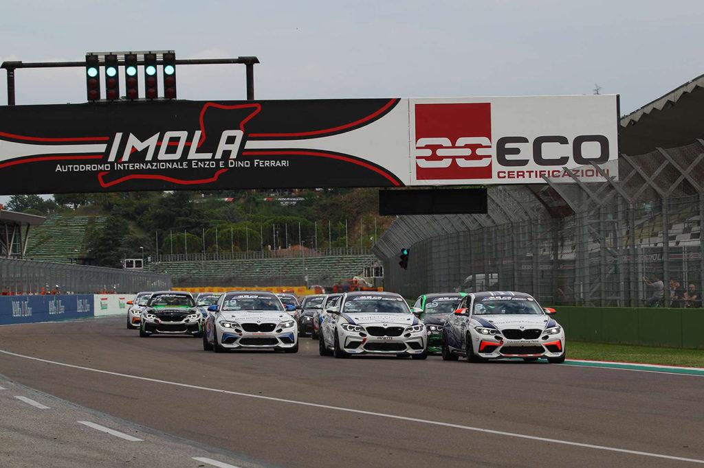 BMW M2 CS Racing Cup Italy   Ferrara centra la doppietta nel weekend di Imola