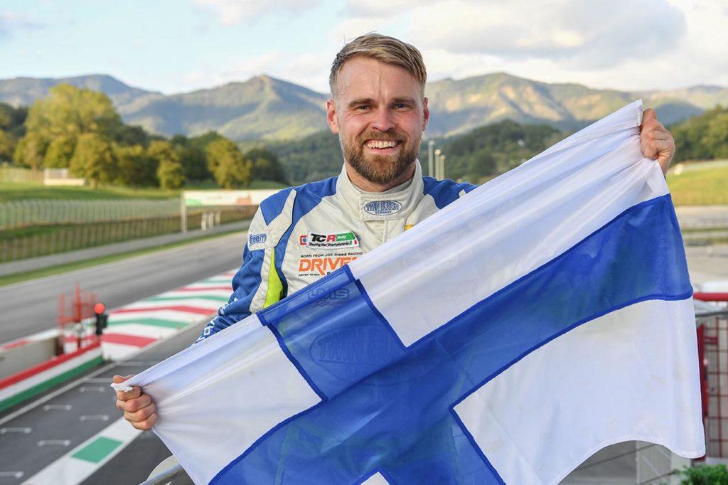 TCR Italy   Mugello, Gara 2: Ceccon vince, Buri è il nuovo campione